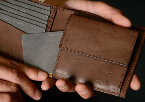 二つ折り財布《カードポケット2》