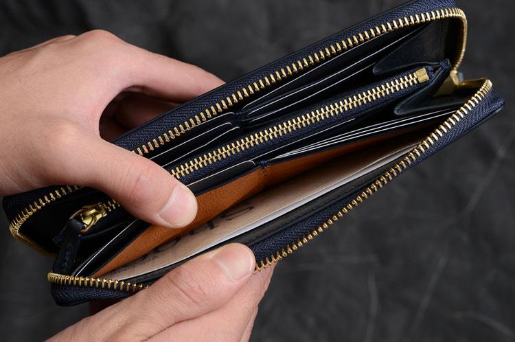 メンズラウンド長財布 両側カード段裏のフリーポケット計2つ
