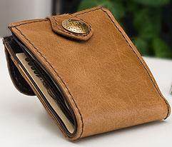 馬革二つ折り財布のデザイン「折り曲げた状態」