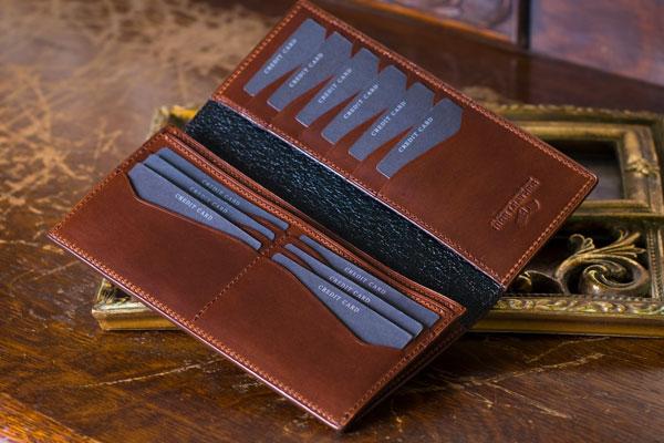 薄い長財布をもっと薄く持つには?体にフィットしたスリムメンズファッションに合わせた薄い長財布の使い方!