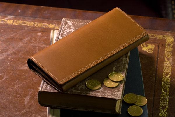 メンズ長財布におけるイタリア革の人気の秘密