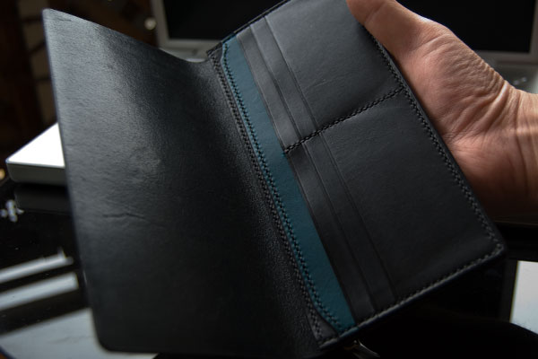 人気の黒・ブラック系のレザーメンズ長財布